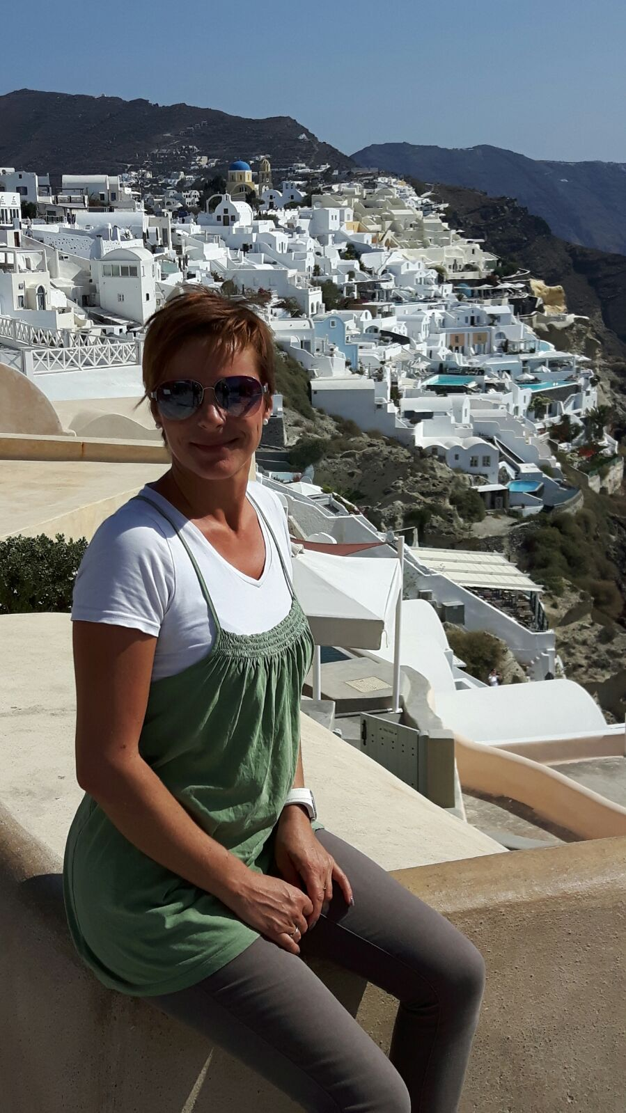 Kathrin Vogel your personal contact person for your santorini excursions